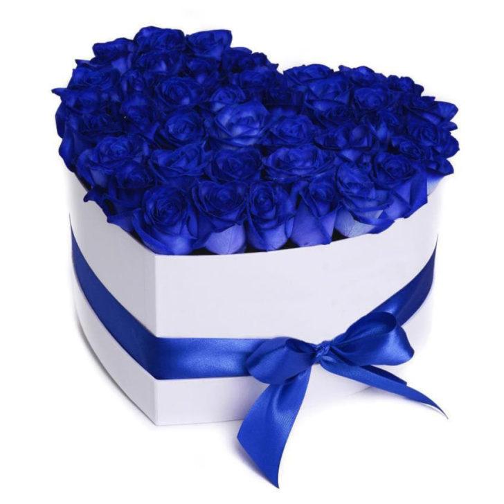 """Цветы в коробке """"Синее сердце"""""""