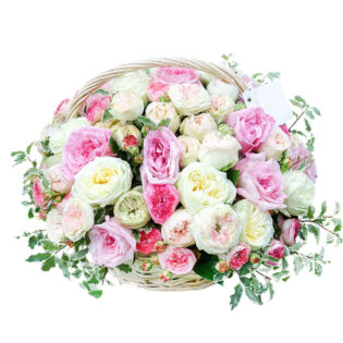 Цветы в корзинке «Пионовидные розы»