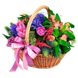 Цветы в корзинке «Светлые мысли»